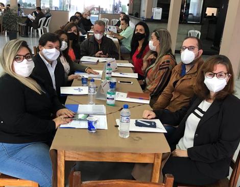 Notícia: ACIAR participa de reunião da FGV e SEBRAE para debater como superar desafios regionais